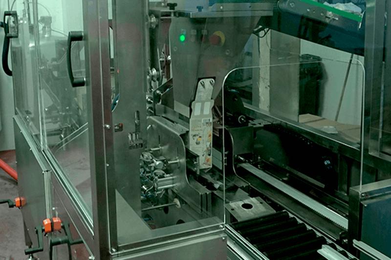 Soluform 100 plain box former machine feeder